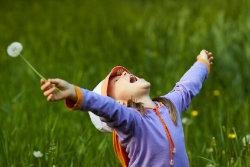 happy-child-field